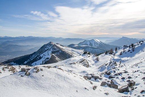 snow-3977890__340